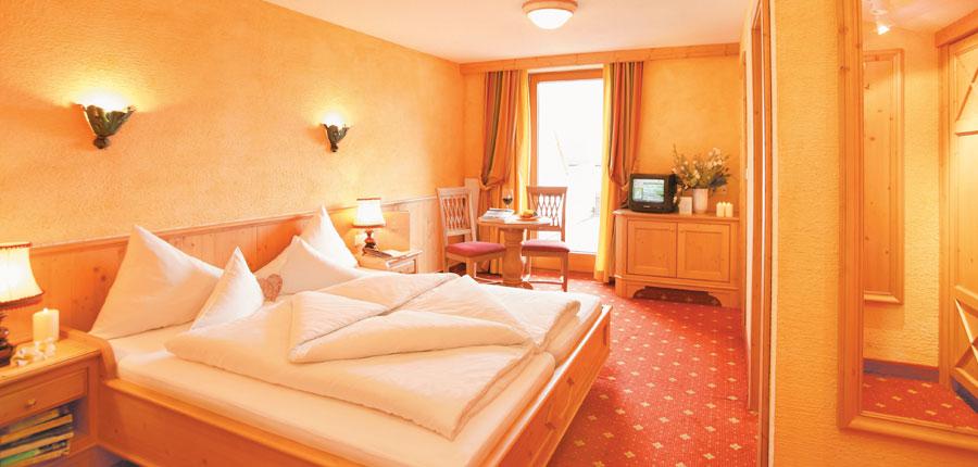 Hotel Edelweiss & Gurgl, Obergurgl, Austria - twin bedroom.jpg